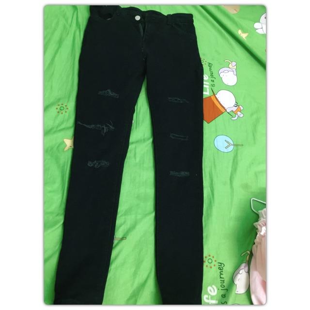 Thanh lí quần jean rách gối 80k size 26-27