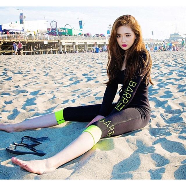 Bikini tay dài quần lửng 4 mảnh