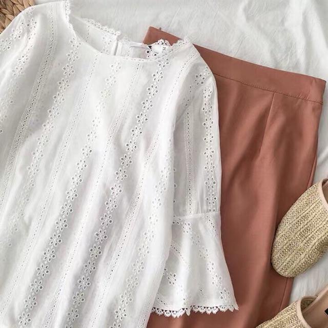 Set áo trắng chân váy nâu