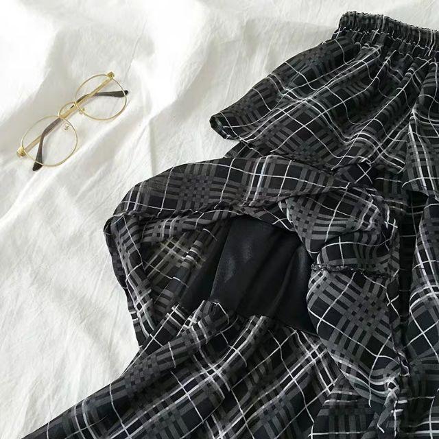 [HÀNG ORDER 7 ĐẾN 10 NGÀY] Áo phông in chữ kết hợp chân váy tầng kẻ caro siêu xinh