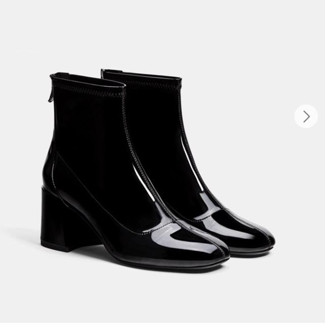 Boots bershka chính hãng