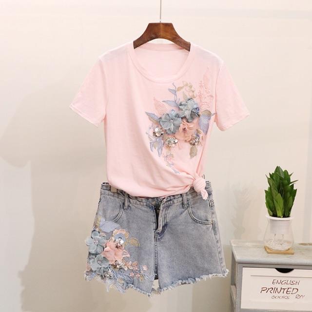 Set áo thun tay ngắn thêu hoa + quần jeans short đính hoa