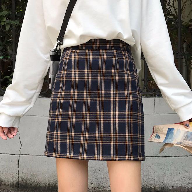 Chân váy mini ca rô xinh xắn dành cho nữ