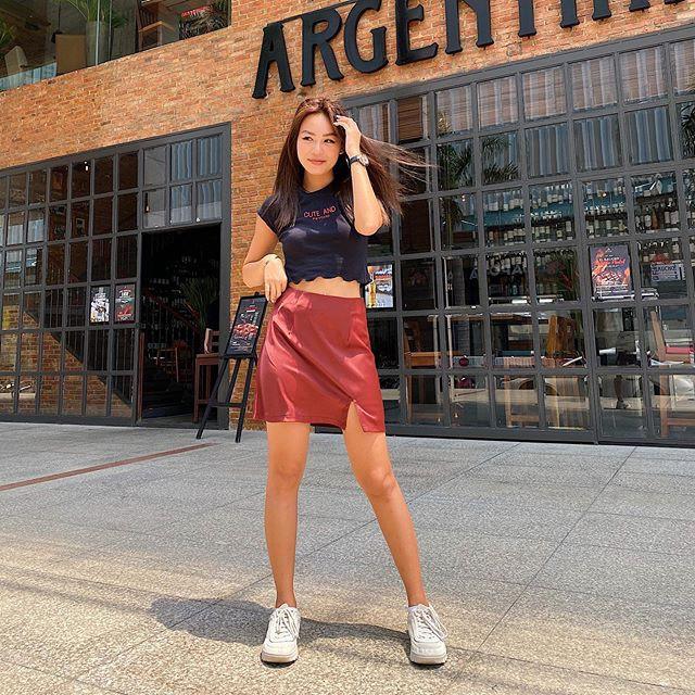 Chân Váy Thun Da Xẻ Tà, Áo Croptop Phối Đồ Với Chân Váy Mang Lại Phong Cách Trẻ Trung, Xinh Đẹp