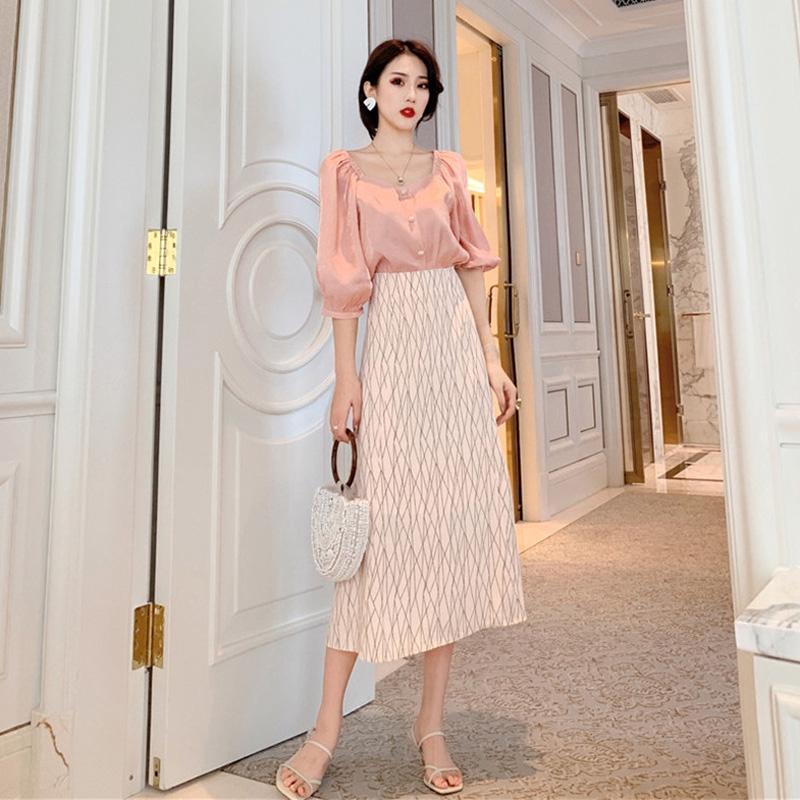 Bộ áo thun lụa + chân váy chữ A phong cách Hàn Quốc
