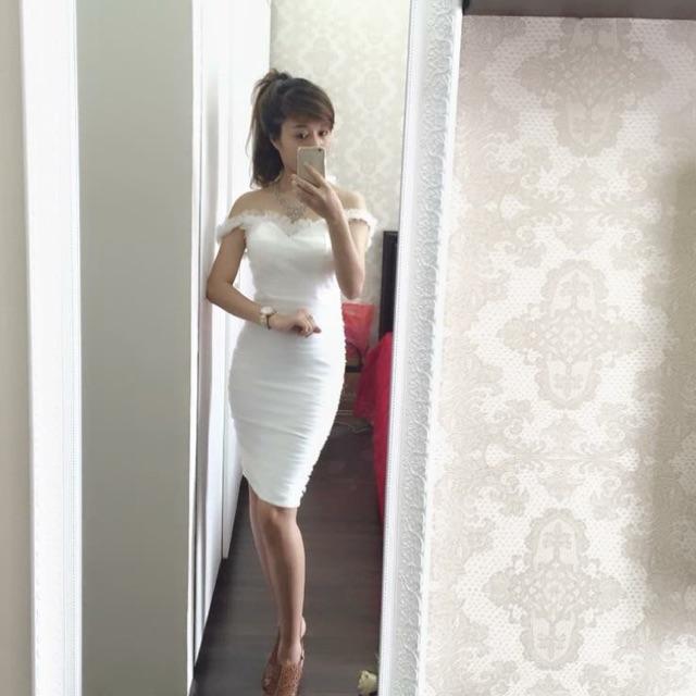 Đầm body trắng