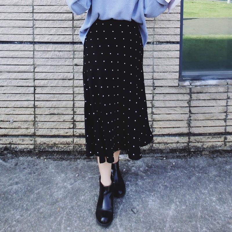 Chân váy dài chấm bi