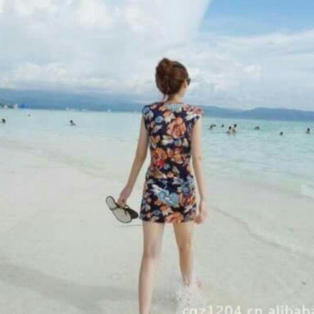 Áo đầm suông cổ tròn in hoa