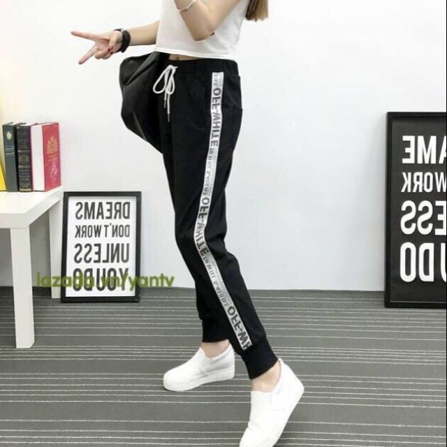 JOGGER PANTS UNISEX – QUẦN JOKER OFFWHITE VÀNG THỂ THAO NAM NỮ MẶC CẶP – FREESTYLE 25