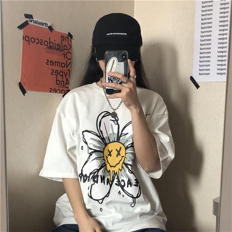 áo thun hoa cúc typo