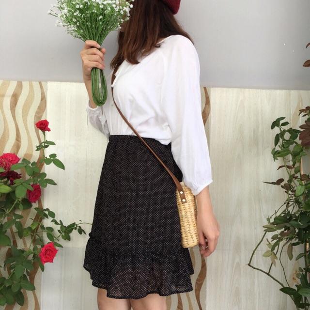 Set áo trắng + chân váy chấm bi nhỏ