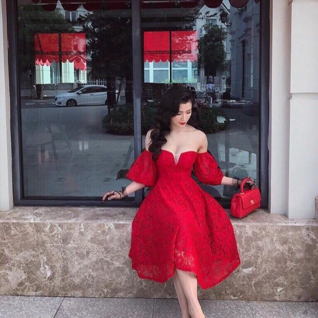 Đầm ren đỏ cúp ngực