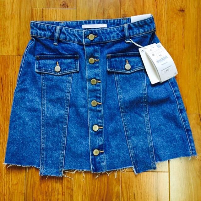 Chân váy Jeans chữ A có túi và đính cúc cá tính (hang oder)