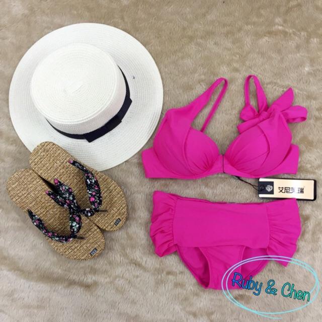 Bikini nơ lệch