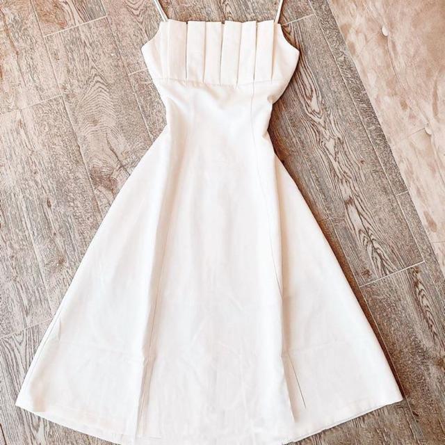 Đầm viền ngực siêu đẹp . đầm y hình