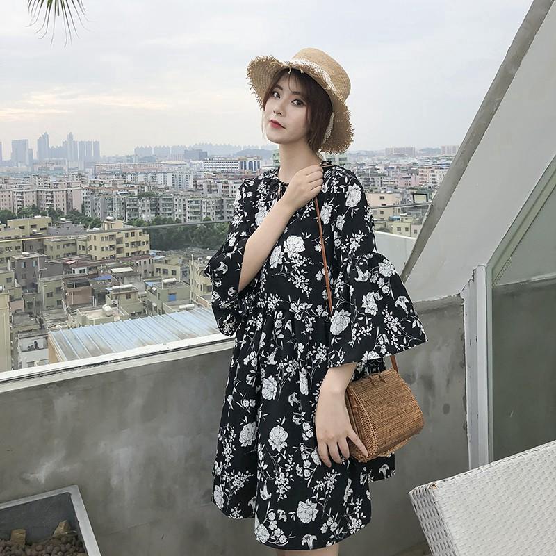 Đầm tay lỡ hoạ tiết hoa thiết kế hợp thời trang