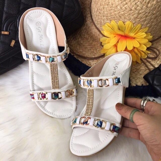 Sandal hàng thái