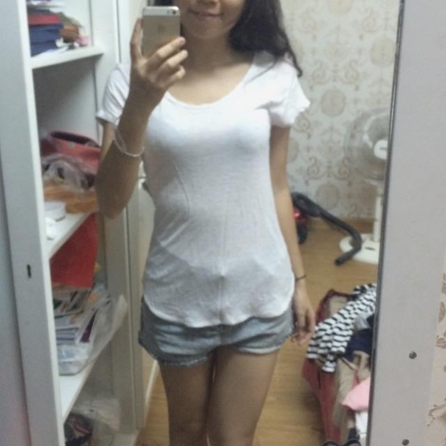 Áo thun trắng f21