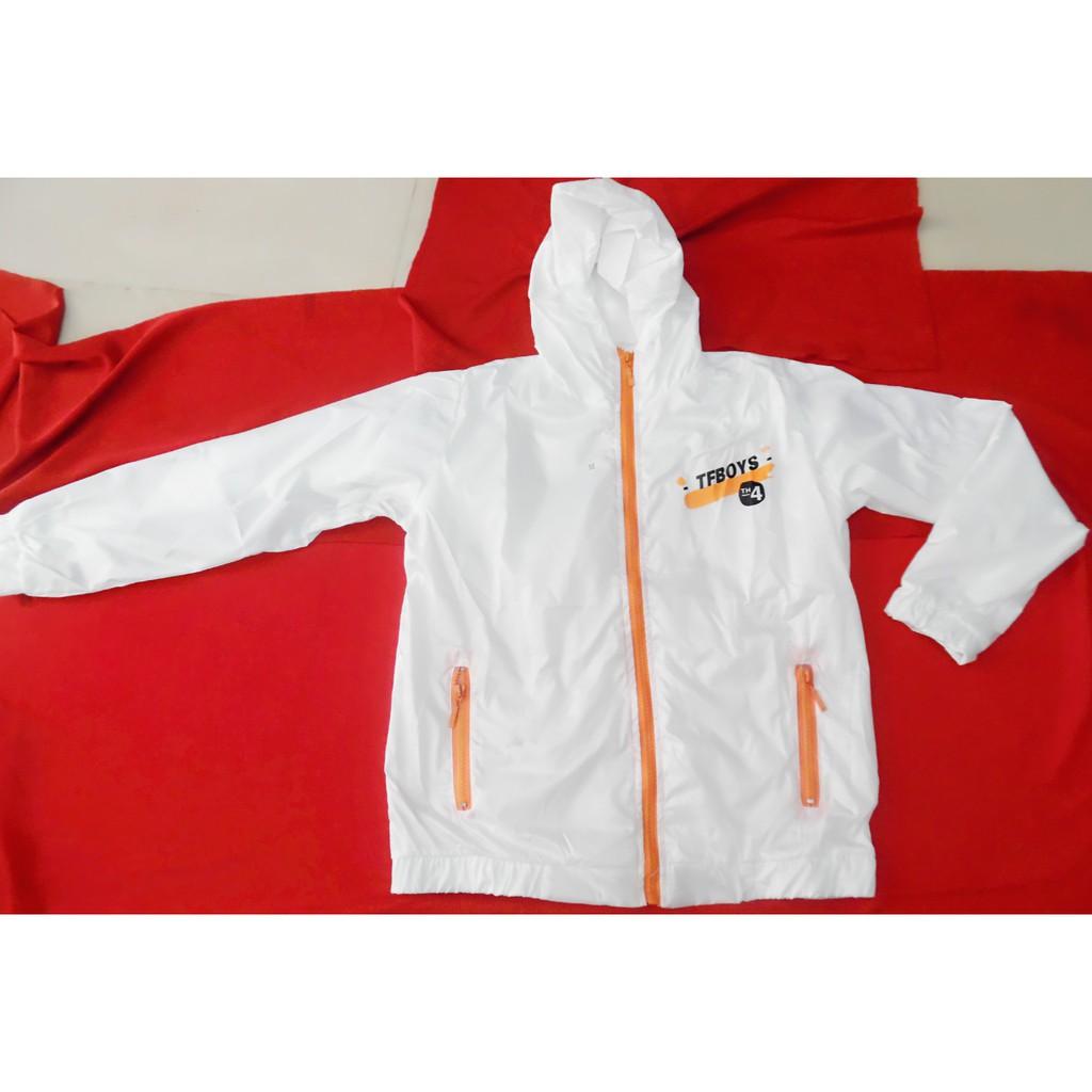 áo khoác Fantime năm 4 chất liệu dù , vải trắng tinh, khóa kéo cam, đẹp y hình