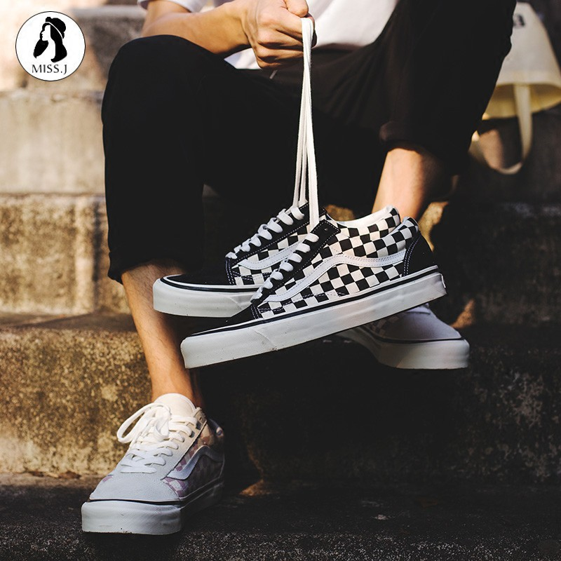 ready stock original VANS Old Skool Black and white classic skateboard Giày dép