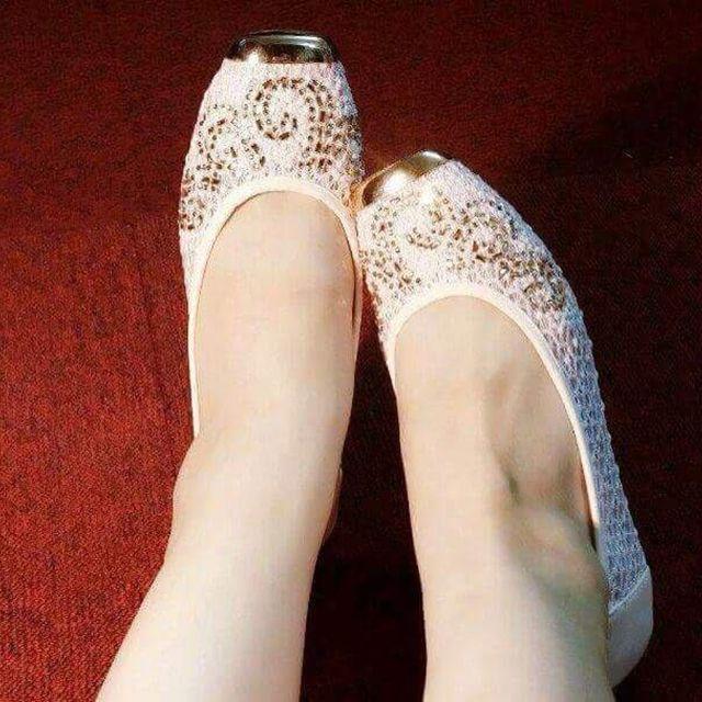 Giày ren đính đá