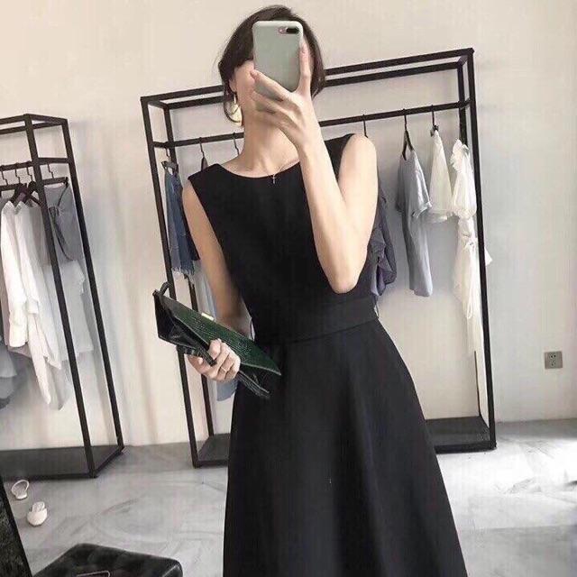 Đầm xoè nơ lưng V