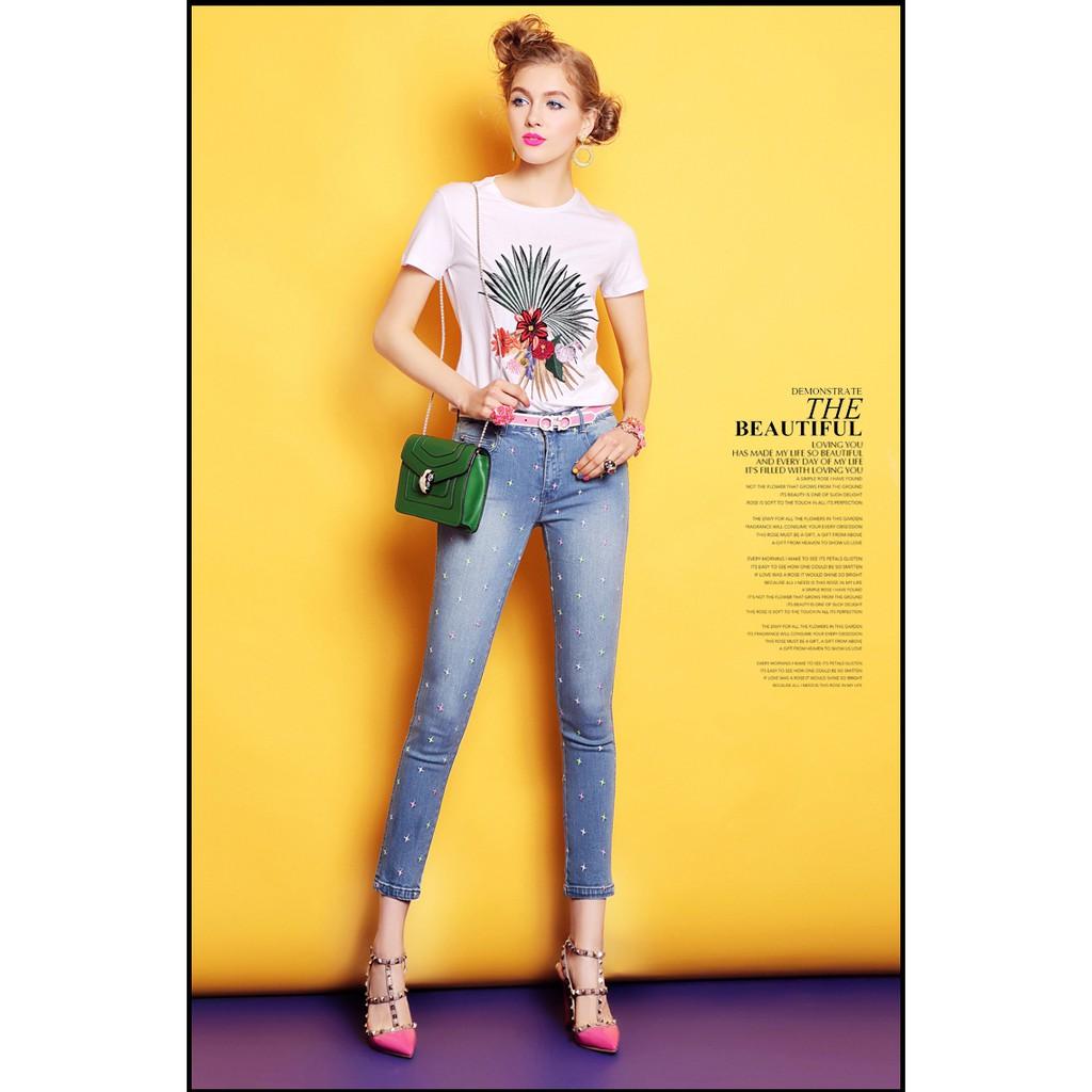 Set áo thun + quần jean họa tiết thêu KL22017