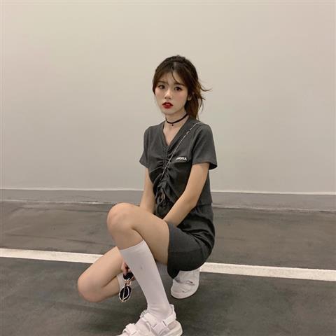 Set Áo Thun Ngắn Tay + Chân Váy Lưng Cao Thời Trang Dành Cho Nữ