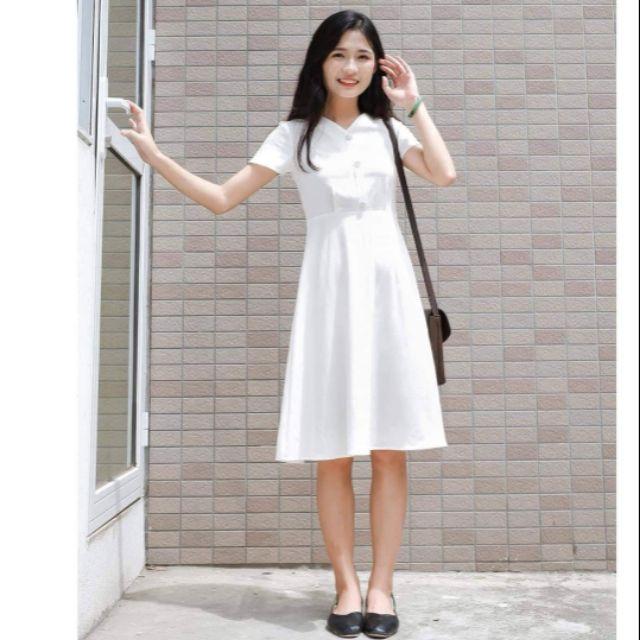 A201-W đầm trắng 3 cúc