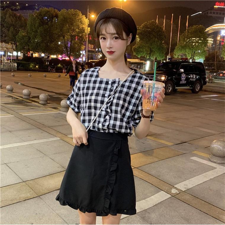 [QZ93] áo sơ mi kẻ cổ vuông và chân váy ngắn hai vạt (MY)