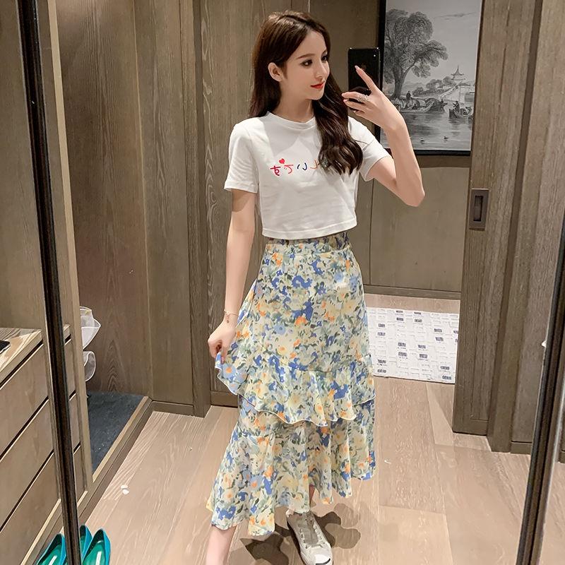 Set Áo Thun Tay Ngắn + Chân Váy Hoa Xinh Xắn Cho Nữ