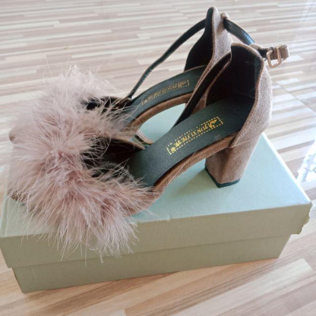 Giày đế vuông lông