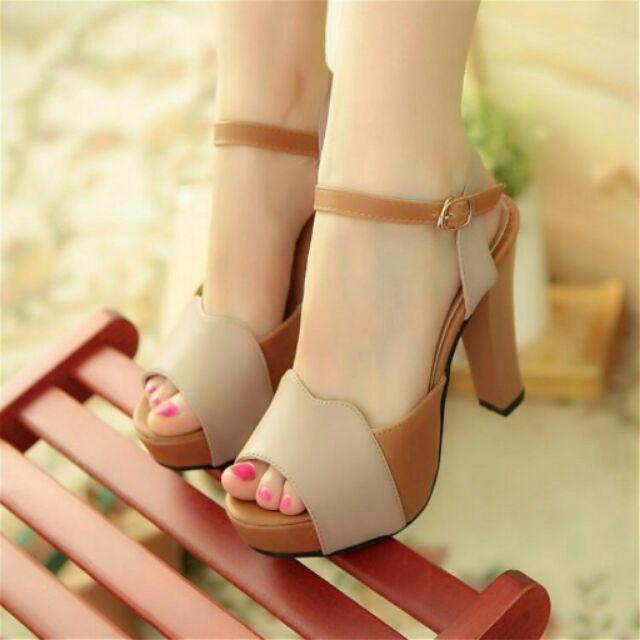 Giày cao gót phối màu thời trang