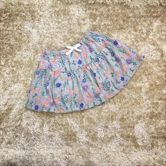 Chân váy + quần
