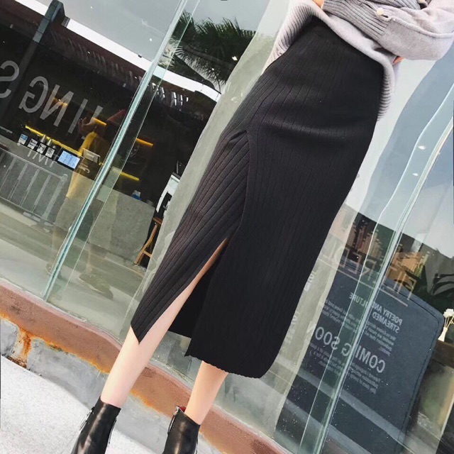 Chân váy len dáng dài xẻ vạt
