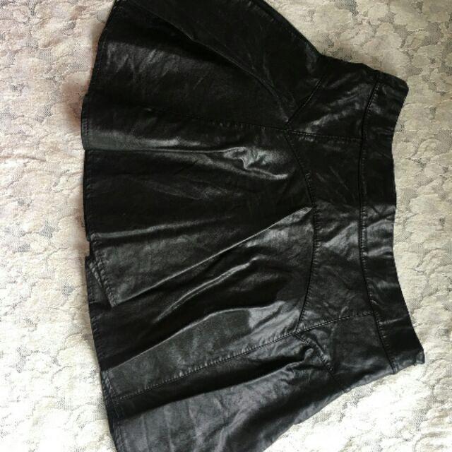 Chân váy da 2hand