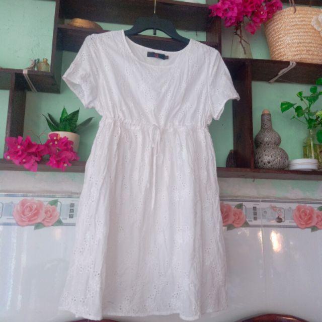 Đầm bầu/ đầm babydoll / đầm dáng xòe màu trắng thêu rất đẹp hàng secondhand Freesize