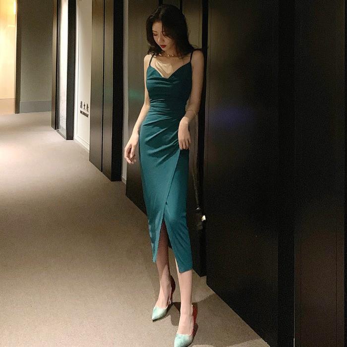 [Order] Váy đầm ôm body cuao ulzzang hai dây xẻ tà (Màu đen và xanh) V013040
