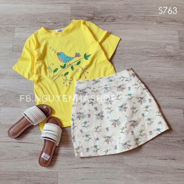 Set áo vàng kèm chân váy hoa