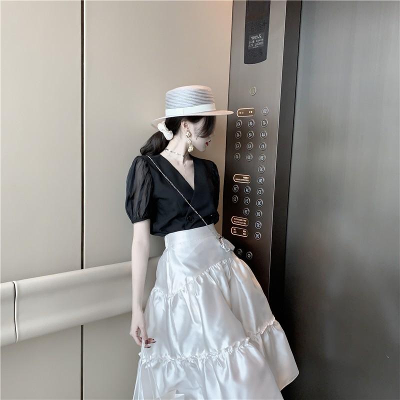Bộ Áo Sơ Mi Tay Phồng Cổ Chữ V + Chân Váy Lưng Cao Xếp Tầng Xinh Xắn Dành Cho Nữ