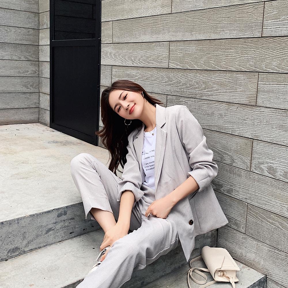 Bộ Áo Khoác Vest Tay Dài Kèm Chân Váy Ngắn Kiểu Dáng Thanh Lịch Cho Nữ