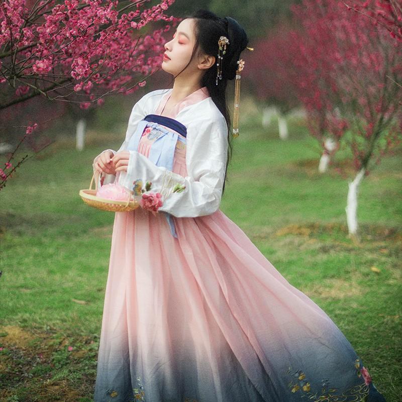 Chân Váy Dài Xẻ Tà Phong Cách Trung Hoa