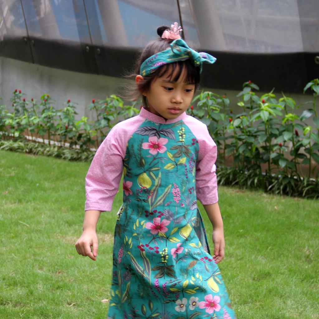 Áo dài cách tân trẻ em thương hiệu HaleeKidz, dành cho bé gái (vải Hàn Quốc) của Hồng Hạnh