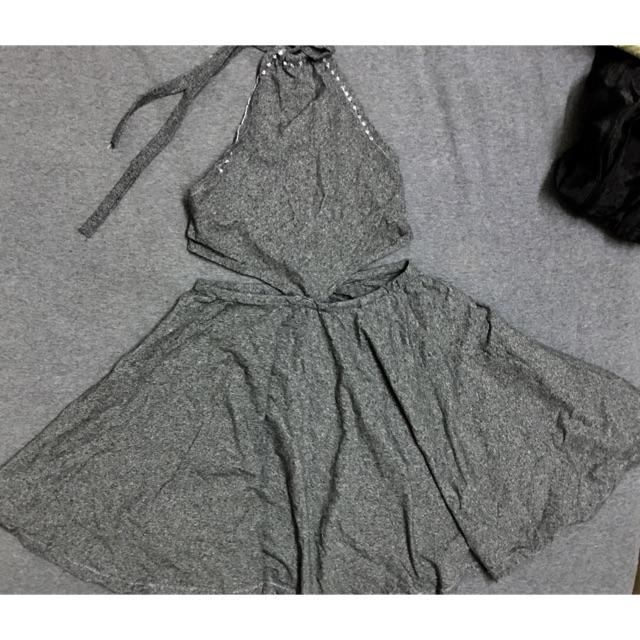 Váy yếm co giãn 4 chiều chất đẹp.