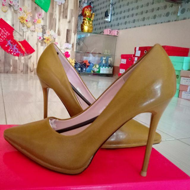 Giày cao gót size 35,38