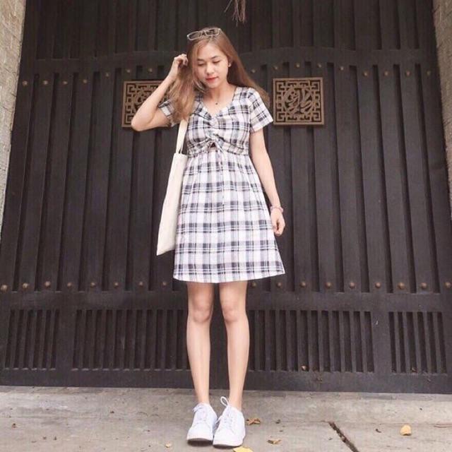 Đầm caro nhún ngực