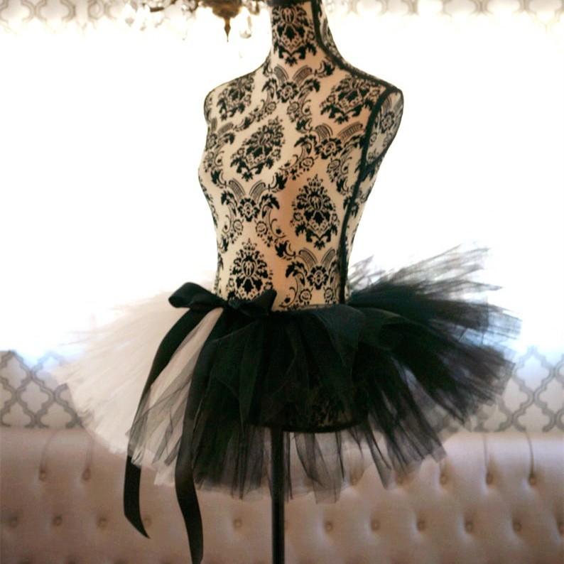 Chân Váy Thời Trang Phối Màu Đen Trắng Cho Người Lớn