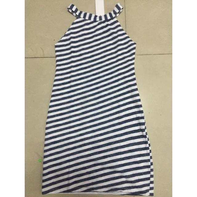Đầm yếm sang chảnh form chuẩn