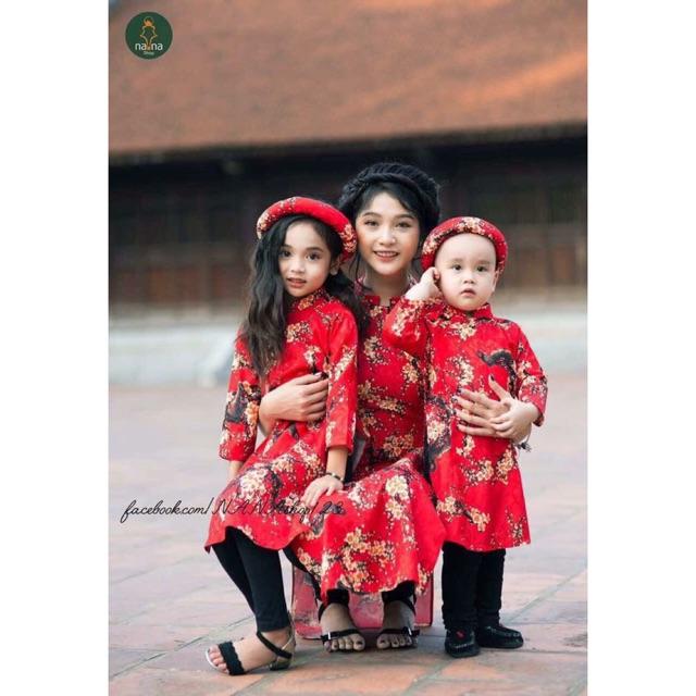 Set áo dài cách tân mẹ & 2 bé in họa tiết kèm mấn