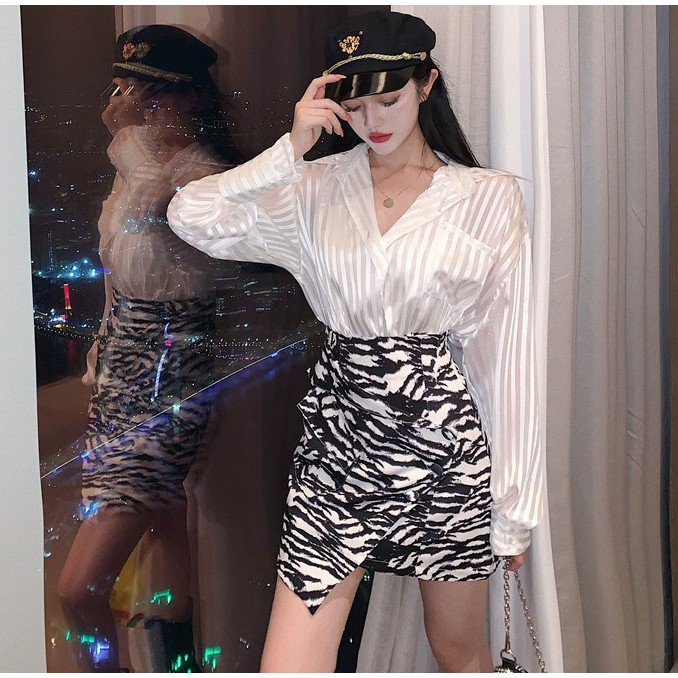 Bộ Áo Sơ Mi Lụa Kẻ Sọc + Chân Váy Xinh Xắn Dành Cho Nữ 2020